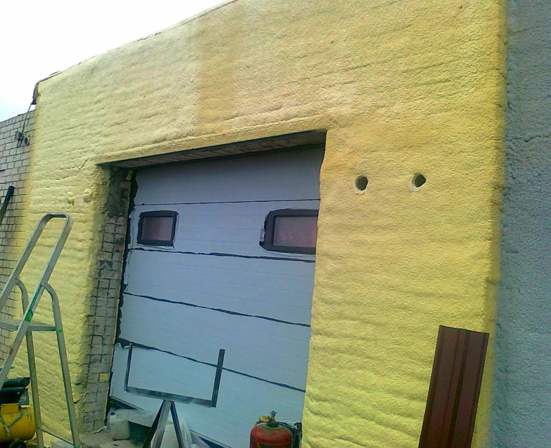 Утепление гаражей напыляемым пенополиуретаном (ППУ)