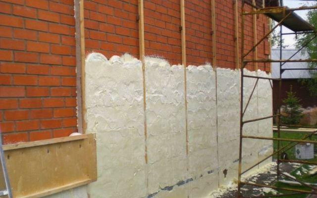 Утепление фасадов напыляемым пенополиуретаном (ППУ)
