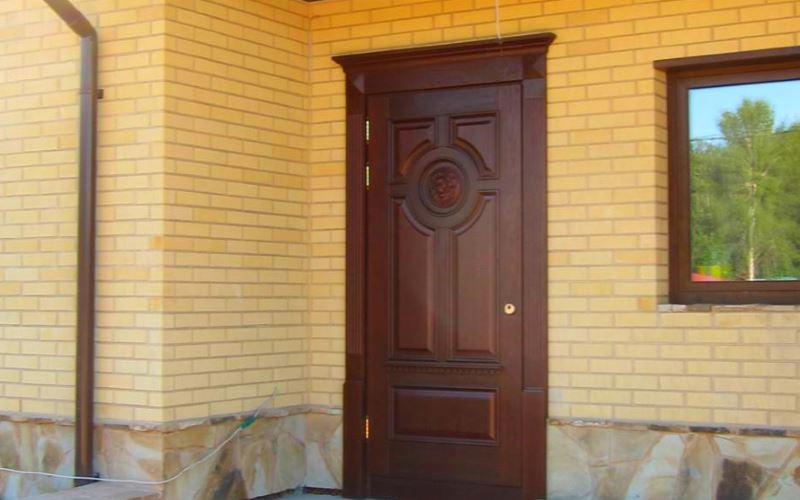 Установка и утепление входных металлических дверей
